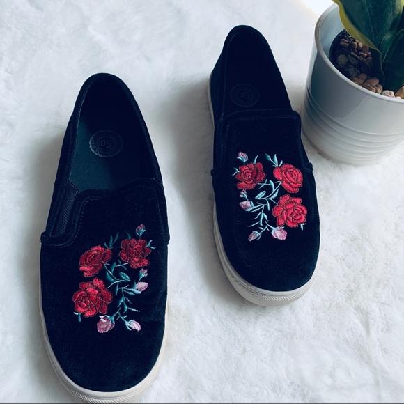SO Rose embroidered Black Velvet Loafers